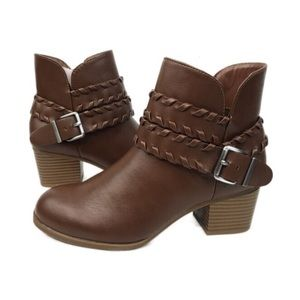 NIB Style & Co Dyanna In Brown Ankle Booties